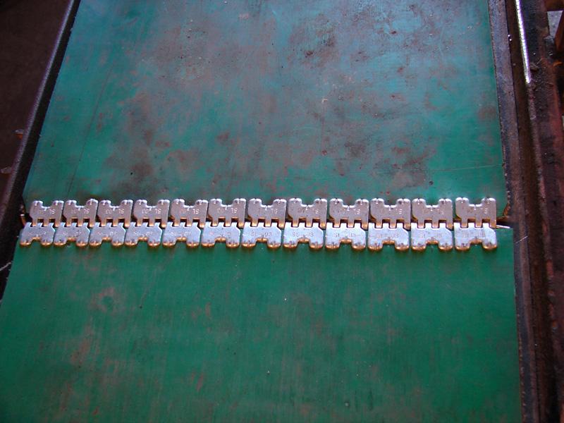 Połączenie Self Lock (SL) 03 - zastosowanie na taśmie (zbliżenie)