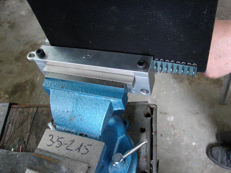 złącza, spinki do naprawy pasów gumowych typu Titan (instalacja i serwis)