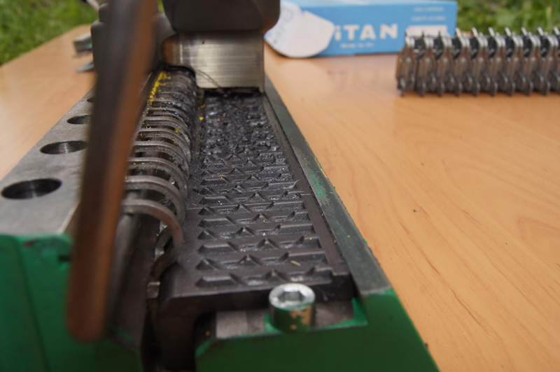 złącza titan - narzędzie instalacyjne (praca)
